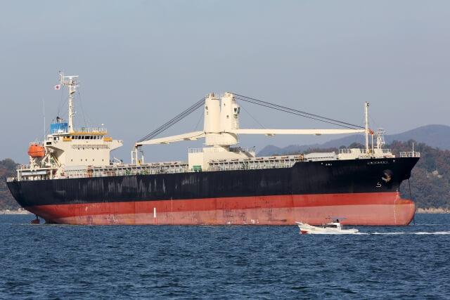 海運株価の特徴『海運業界の株価が上がるポイントは?セクター投資』