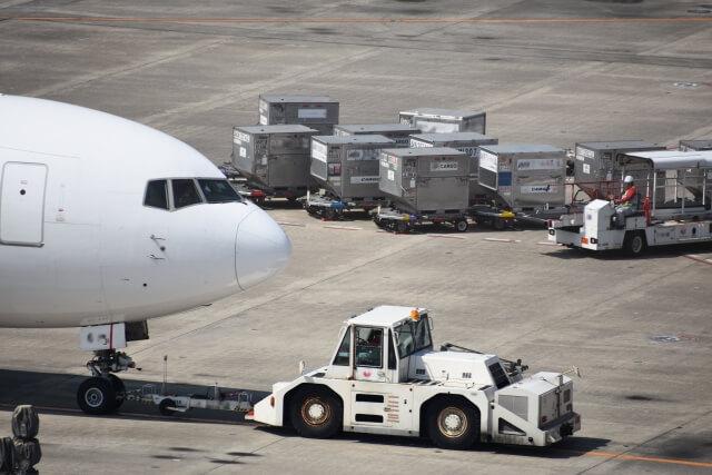 空運株価の特徴『空運業界の株価が上がるポイントは?セクター投資』